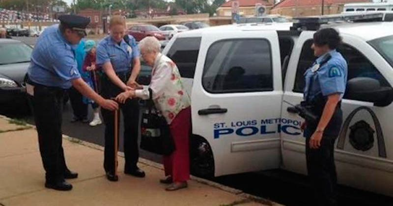 Con 102 años, cumple el sueño de su vida; ser arrestada