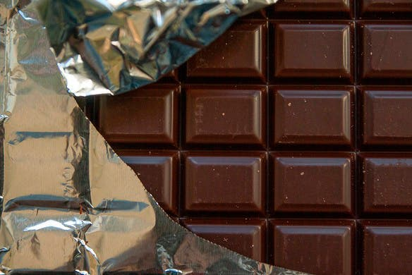 Crearon un chocolate que alivia los dolores menstruales — Insólito