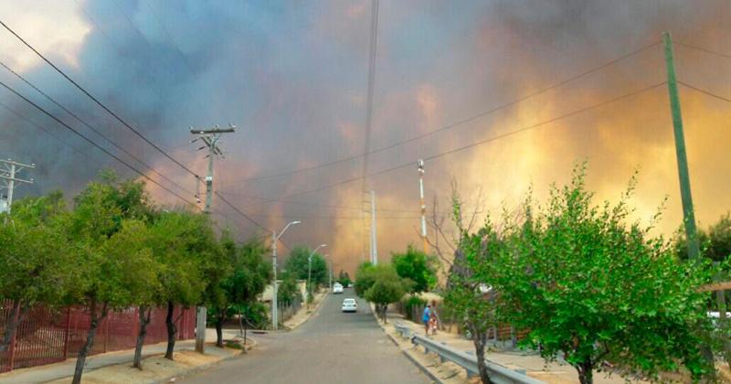 Onemi: 99 incendios se mantienen activos en el país