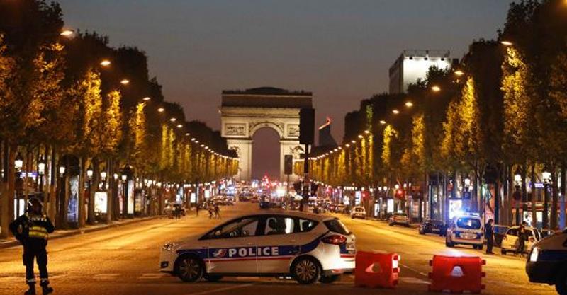 Francia: Matan a policía tras tiroteo en París
