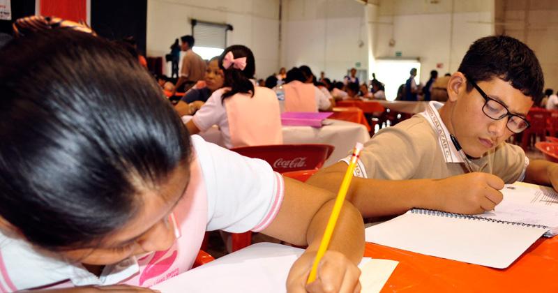 Realizan prueba planea estudiantes secundaria en Puebla
