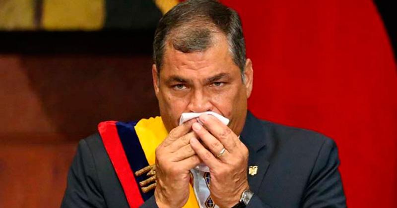 Lenín Moreno asumió con una neta diferenciación de Correa — Ecuador