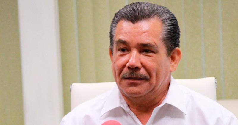 Líder del SNTE critica que usen a maestros como botín político
