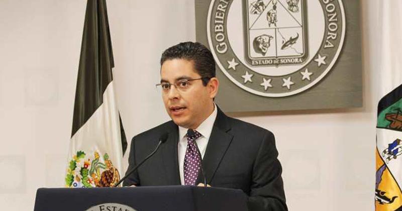 Detienen al ex secretario Roberto Romero López