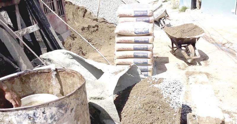 Sube el cemento, y en Tabasco se hace cara la vivienda barata