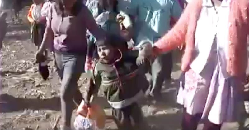 Pobladores embriagan a niños durante fiesta costumbrista