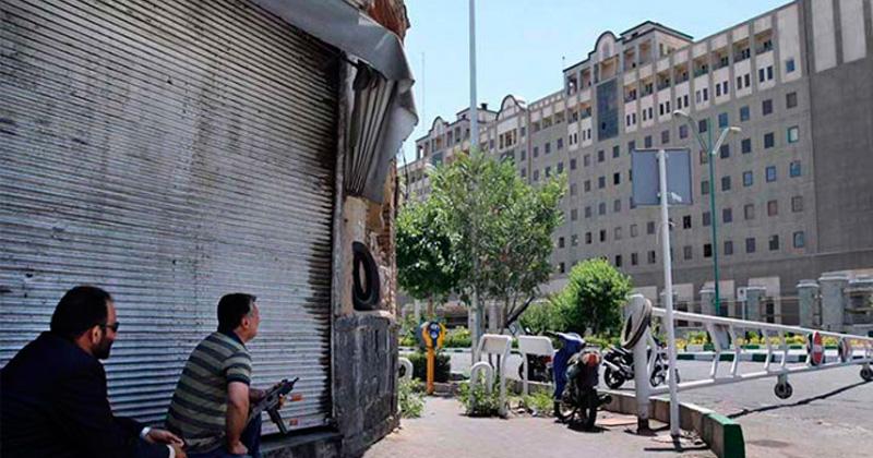 Se eleva tensión regional tras primer ataque del Estado Islámico en Irán
