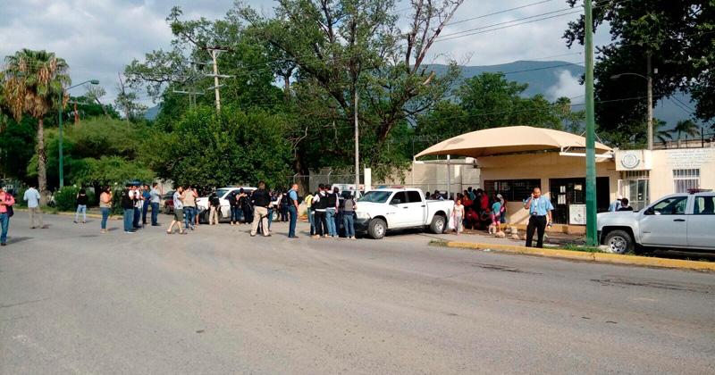 Rinden homenaje a policías caídos en penal de Tamaulipas