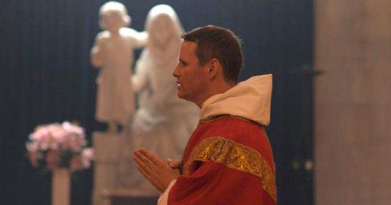 De jugar en el United a ser sacerdote — Philip Mulryne