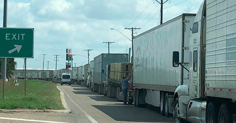 Cerrado Puente Internacional de Reynosa por volcadura - Expreso
