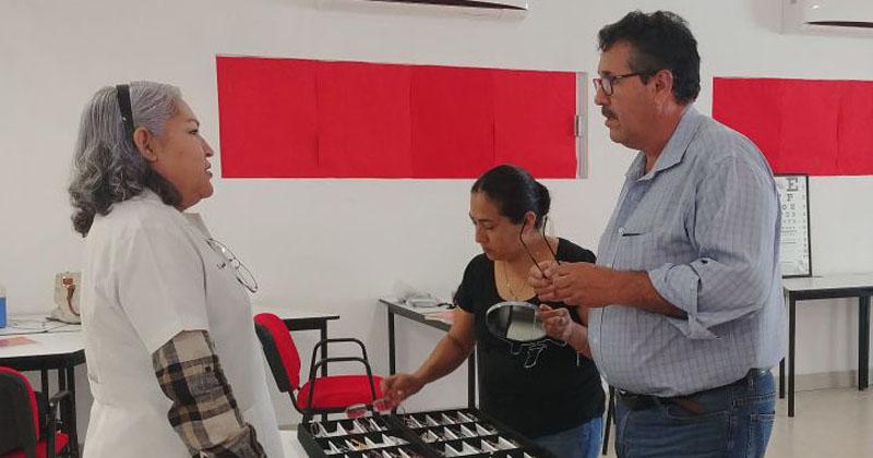 En plena jornada electoral, Cruz Roja Mexicana reparte dádivas en Edomex