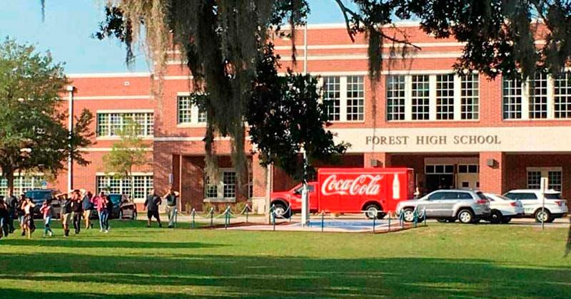 Tiroteo en colegio de Florida deja un estudiante herido