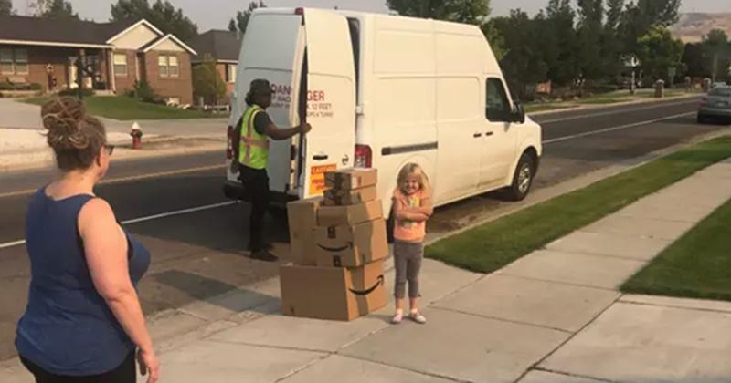 Una nena gastó una fortuna en Amazon para comprarse juguetes