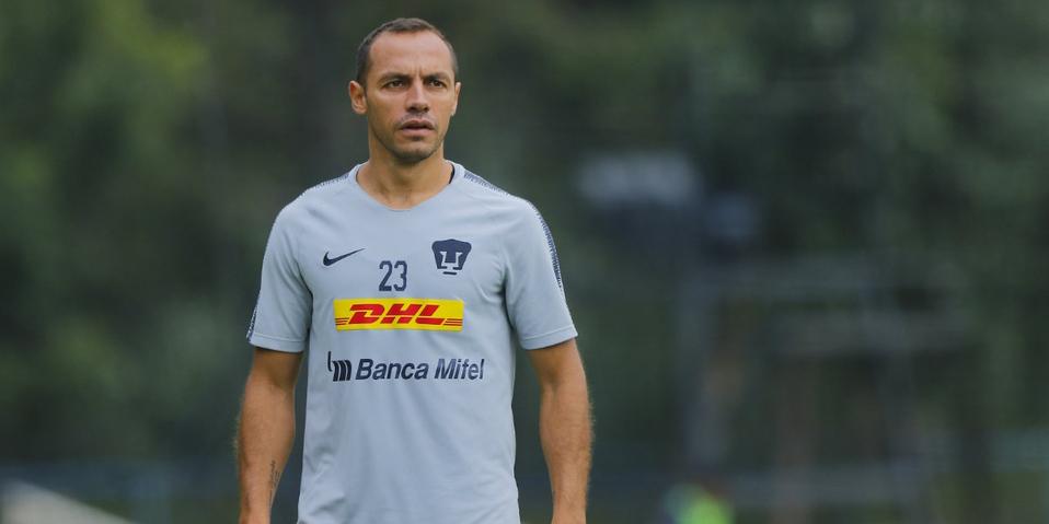 Marcelo Díaz dedicó una emotiva despedida a la afición de Pumas