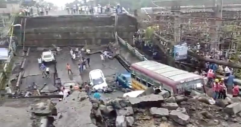 Varios heridos: Se desploma paso elevado de una autopista en Calcuta, India