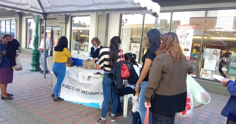 Vacuna Contra La Influenza En La Zona Peatonal De Tampico