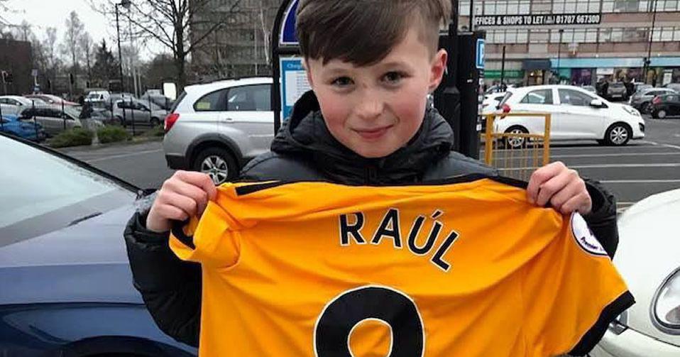 El gol de Raúl Jiménez contra el Cardiff