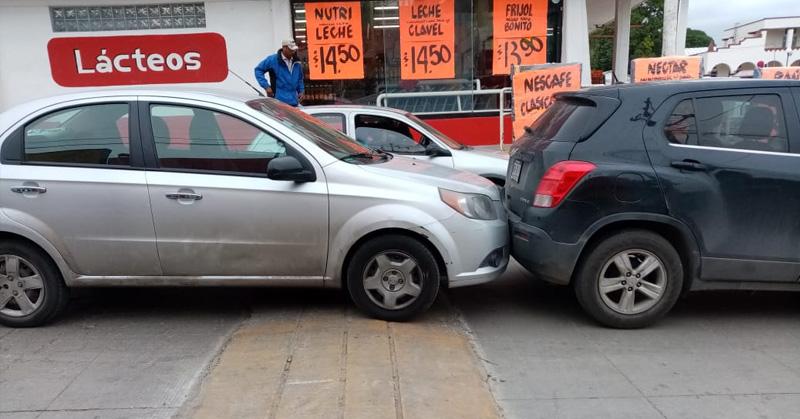 Chocan en la zona centro de Pueblo Viejo - Expreso
